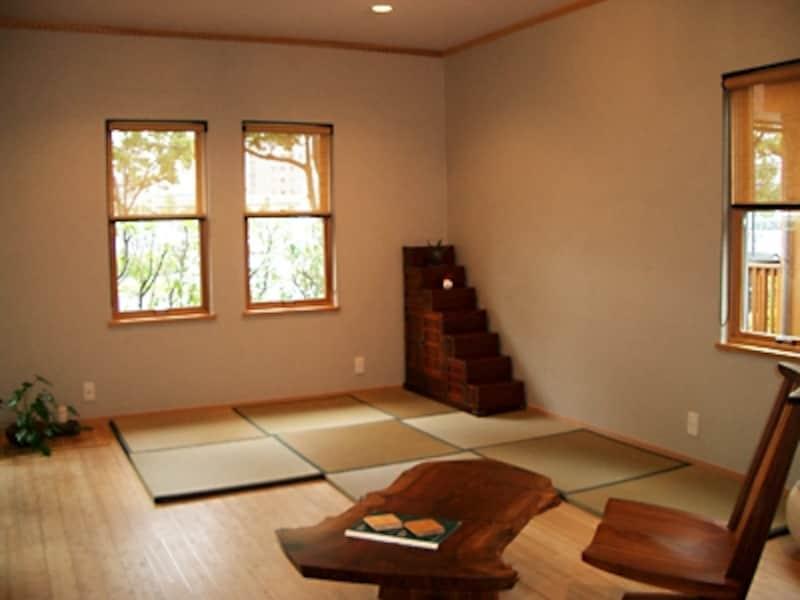 竹のフローリング材に置き畳を敷いたモダンな和室(三井ホーム)