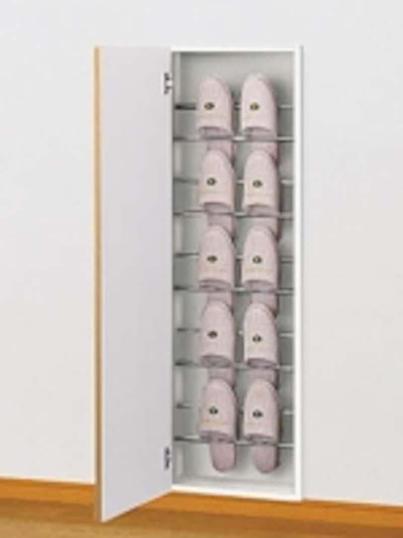 収納できるスリッパは5セット。扉付なので、ホコリも入らない。(スリッパ収納/大建工業)