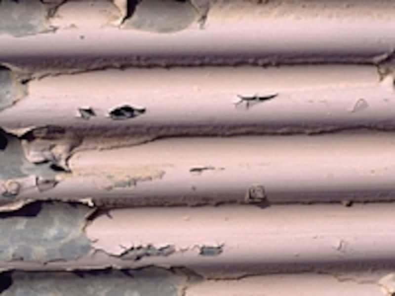 鉄部の腐食が進むと、塗装だけでは補修できなくなり溶接工事が必要となりリフォーム費用がかさむ。
