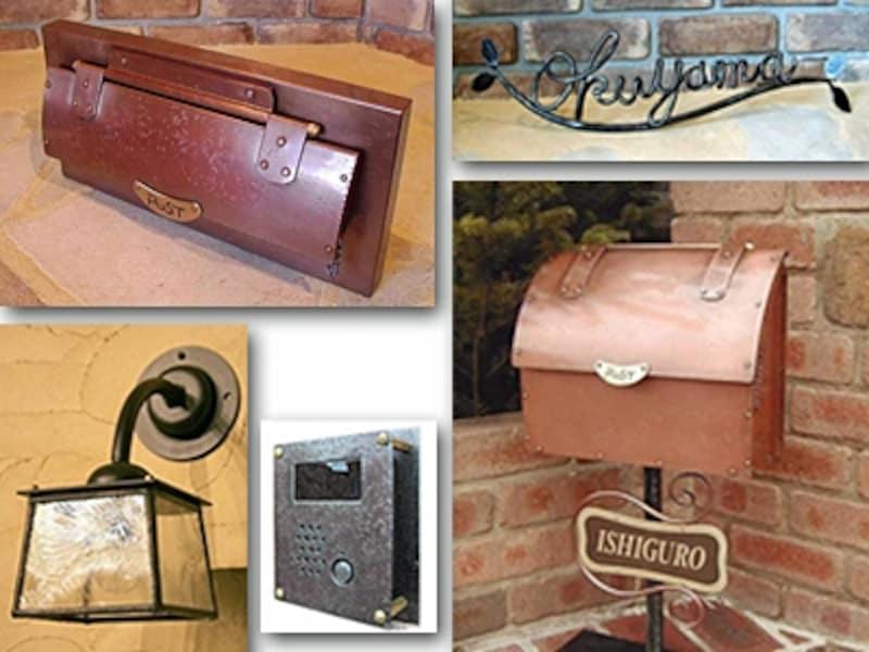 左上から全て手作りの銅製ポスト、ロートアイアンの表札、アイアンとステンドガラスの照明、銅製インターホンカバー、銅製ポストスタンド(HAYASE.com)