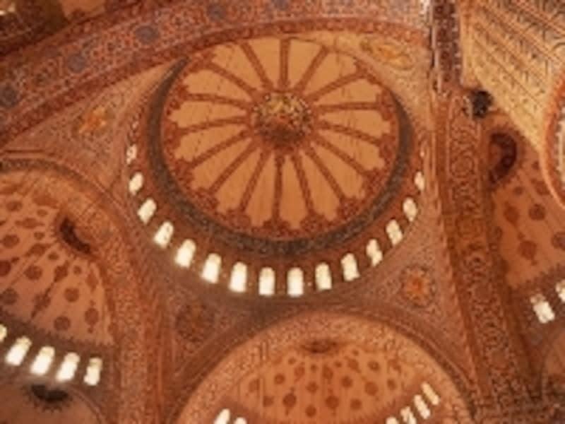 ブルーモスクのドーム天井