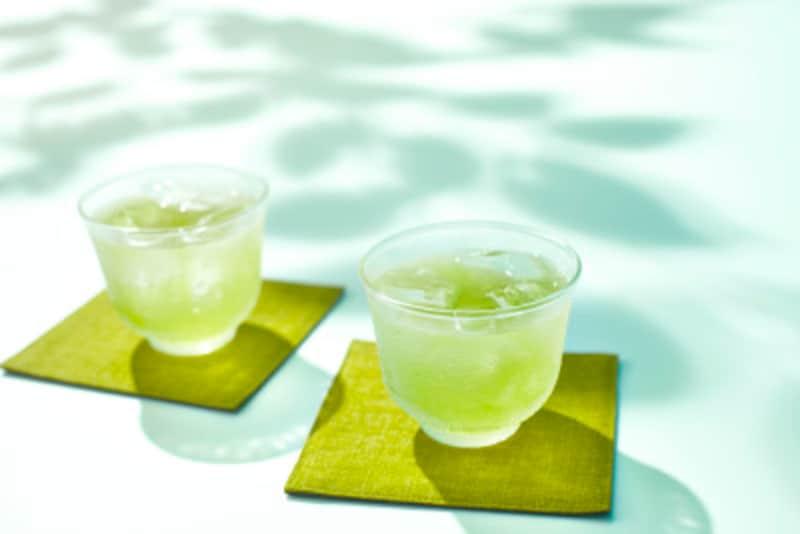 季節によっては、冷たい飲み物の方が喜ばれるかもしれません。臨機応変に対応しましょう