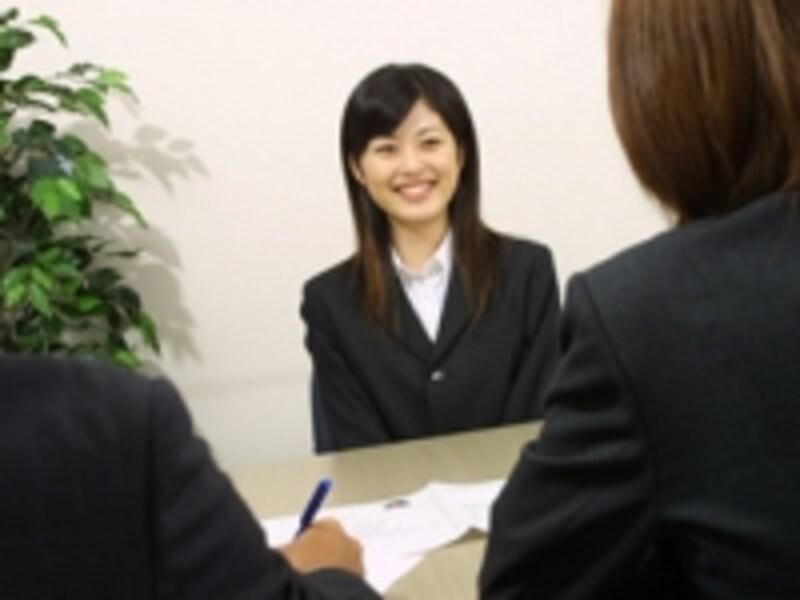 企業派遣生に選抜されるためには、面接などの選抜試験を勝ち抜くことが必要