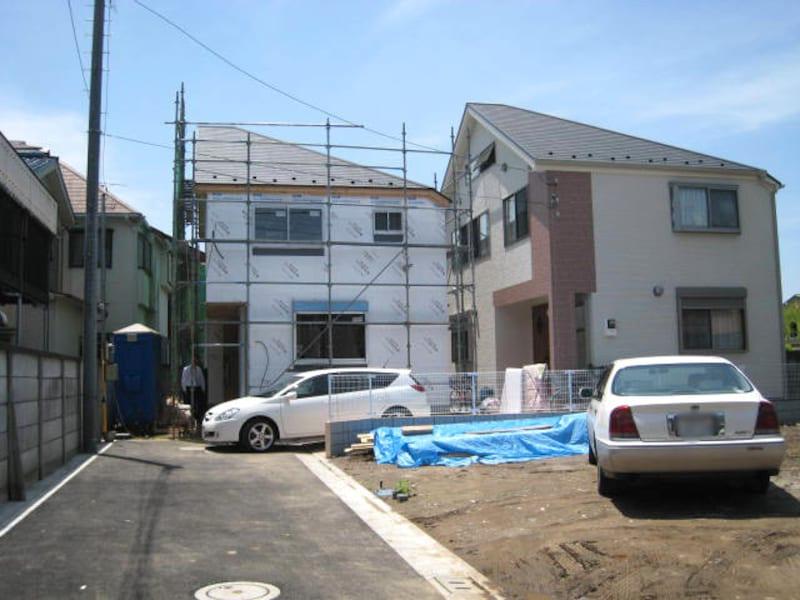 建売住宅の建築現場