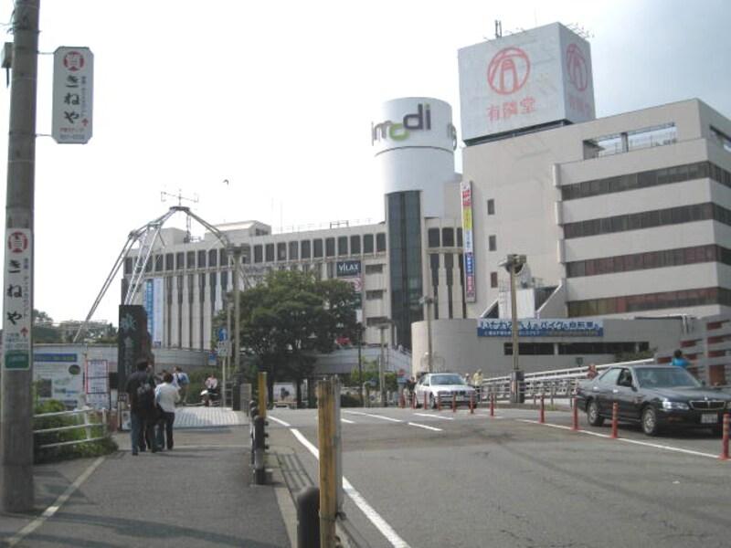 戸塚駅東口