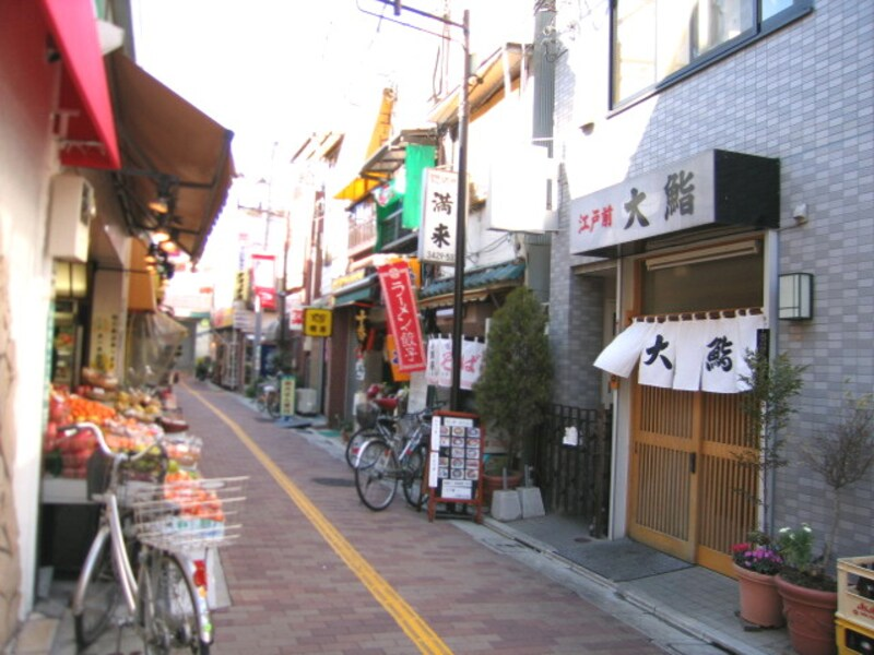山下駅前の商店街