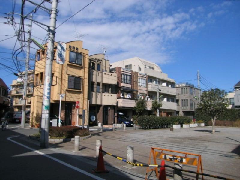 松蔭神社前駅近くの住宅街