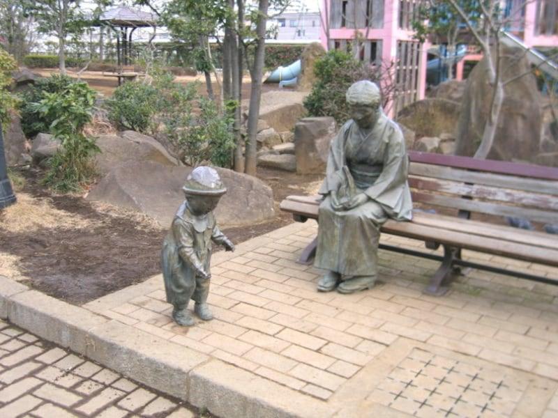 川口西公園内の彫刻