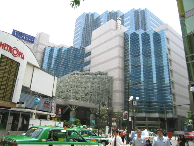 東武百貨店とメトロポリタンプラザ