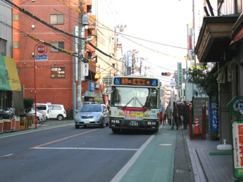 駅周辺のバス停