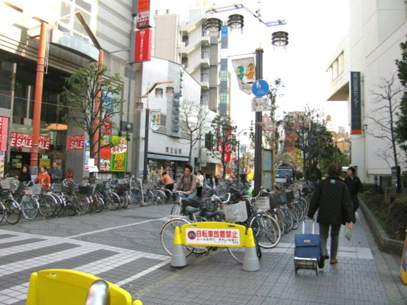 駅周辺の放置自転車