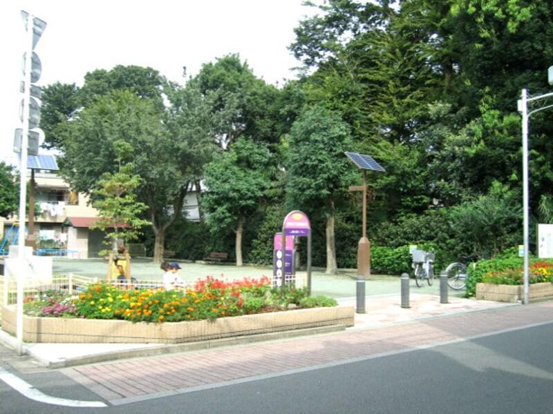 三鷹市の防災広場