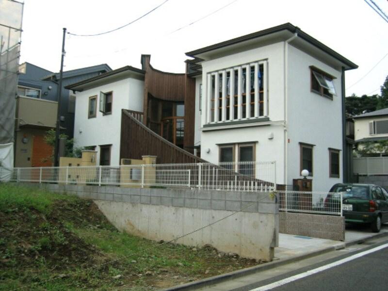 住宅街の中の建設予定地