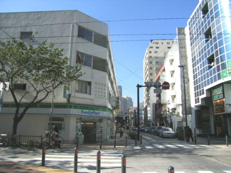 横浜中心部近くのオフィス街