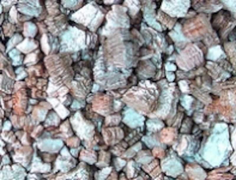 バーミキュライトは土壌調整用の人工土
