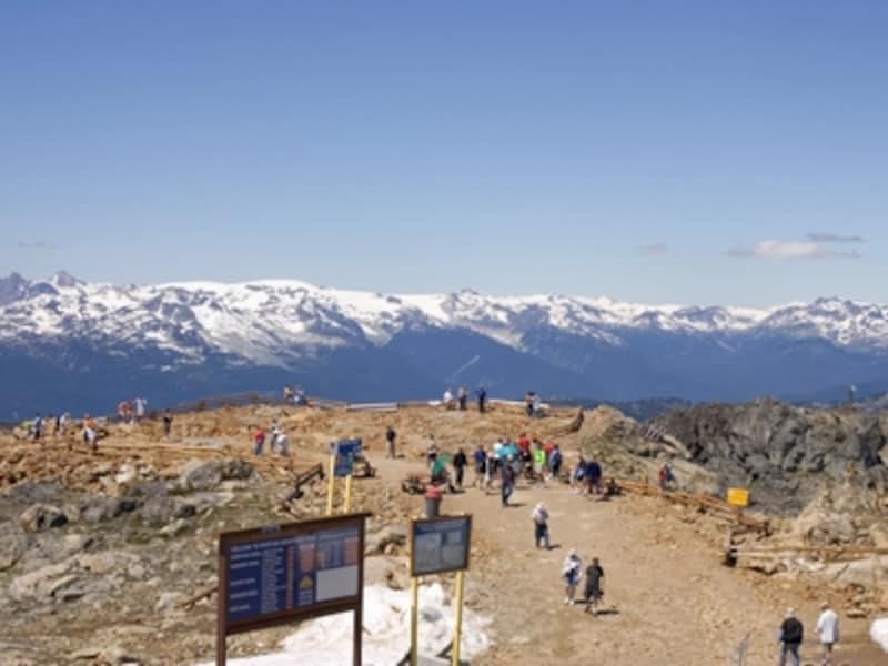 ウィスラー山頂からの風景は雄大!undefined(C)TourismWhistler
