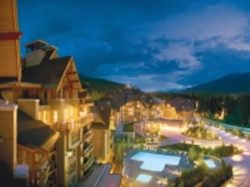 アッパービレッジの高級ホテルのひとつ、フォーシーズンundefined(C)TourismWhistler