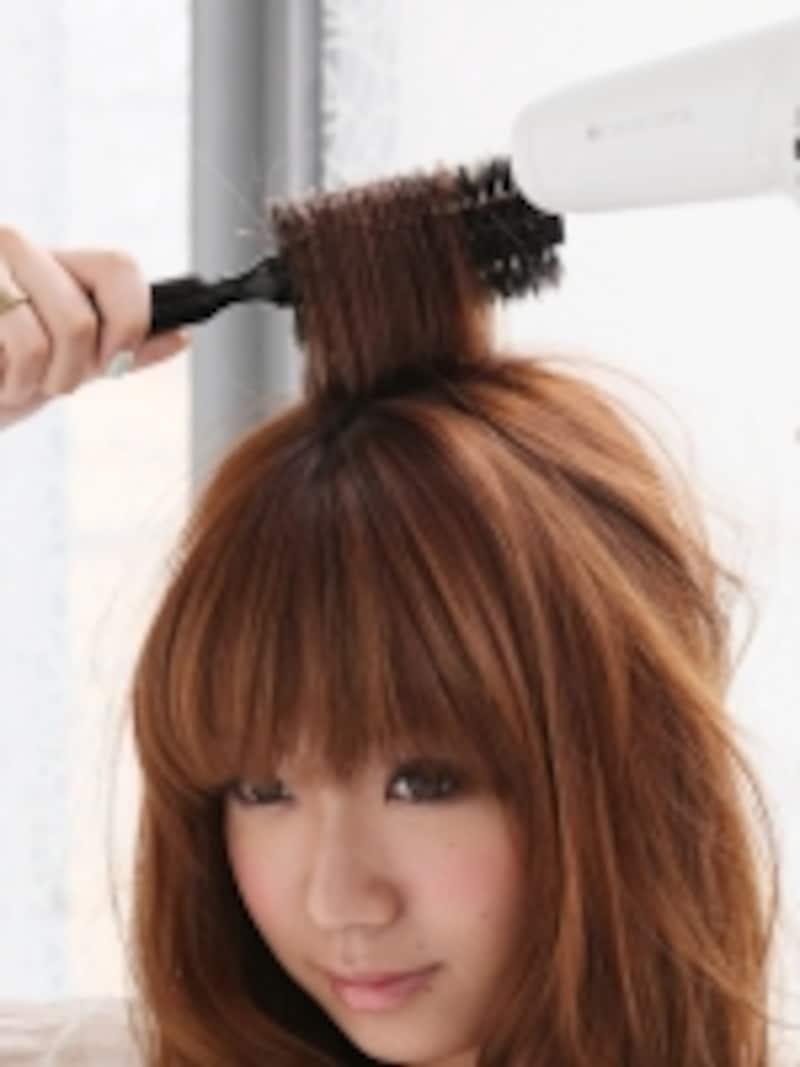 1.トップの毛を立ち上げる