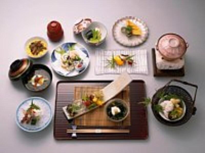 日本型食生活は世界からも健康的な食事として注目されている