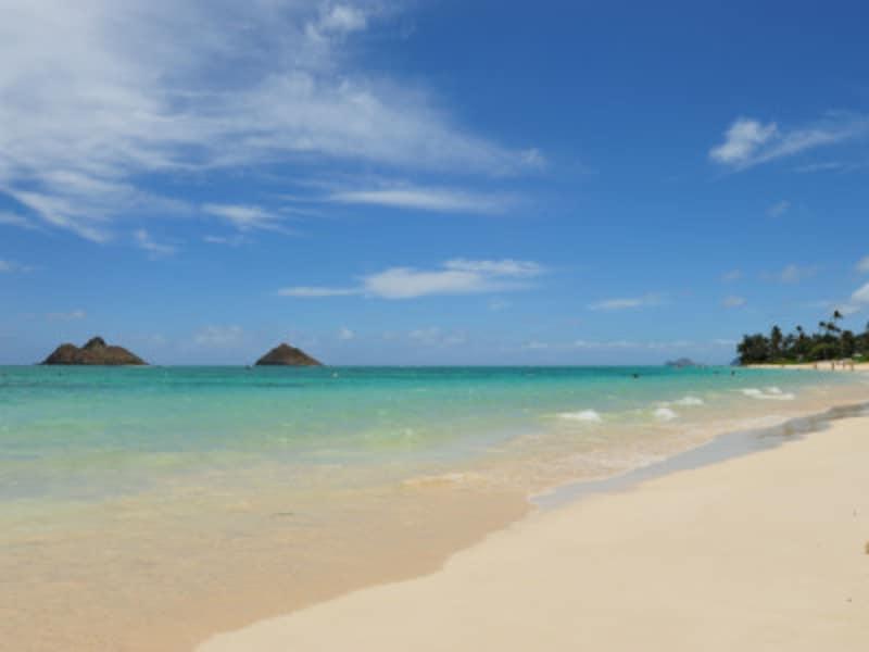天国(lani)の海(kai)の名前を持つオアフ島東海岸のラニカイビーチ