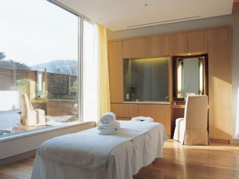 高級感漂うホテルスパは最高のリラクゼーションスポット。一度は行ってみたい(c)GuerlainSpa