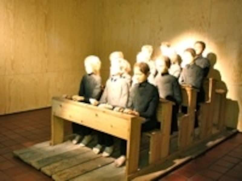 前衛演劇の鬼才タデウシュ・カントールの魂が宿る作品「死の教室」