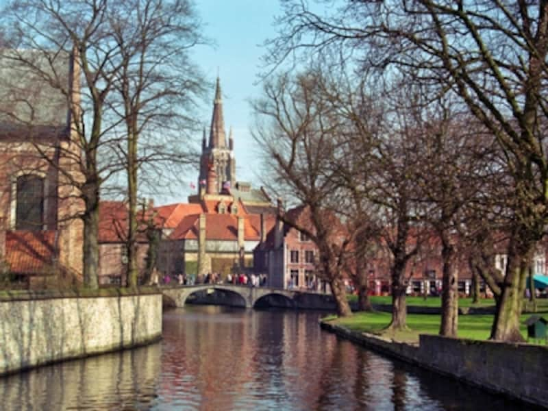 橋とノートルダム教会