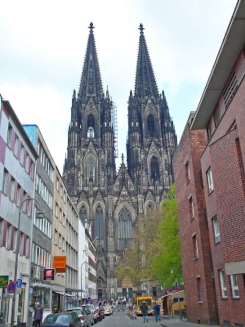 街から眺めたケルン大聖堂
