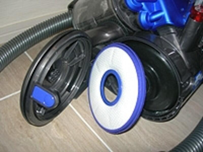 車輪部分に仕込まれているフィルターは、2年を目安に洗浄が必要
