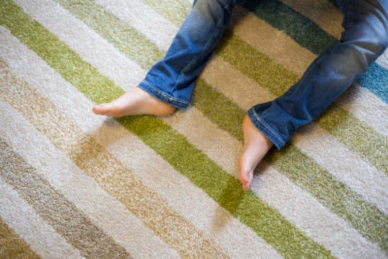 カーペットの気になるべたつきに!絨毯・ラグ・カーペット床掃除方法