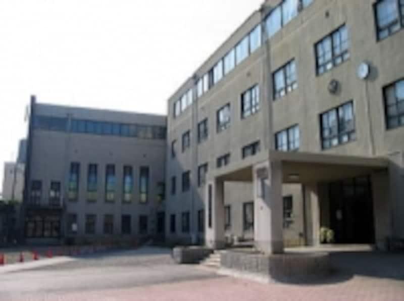 大阪府を代表する最難関男子校「大阪星光学院中学」。国公立医学部進学者が多いのが特徴