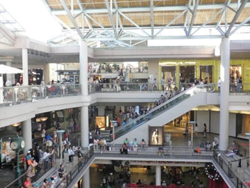 訪れる度に新しい発見があるハワイ最大のショッピングセンター、アラモアナセンター