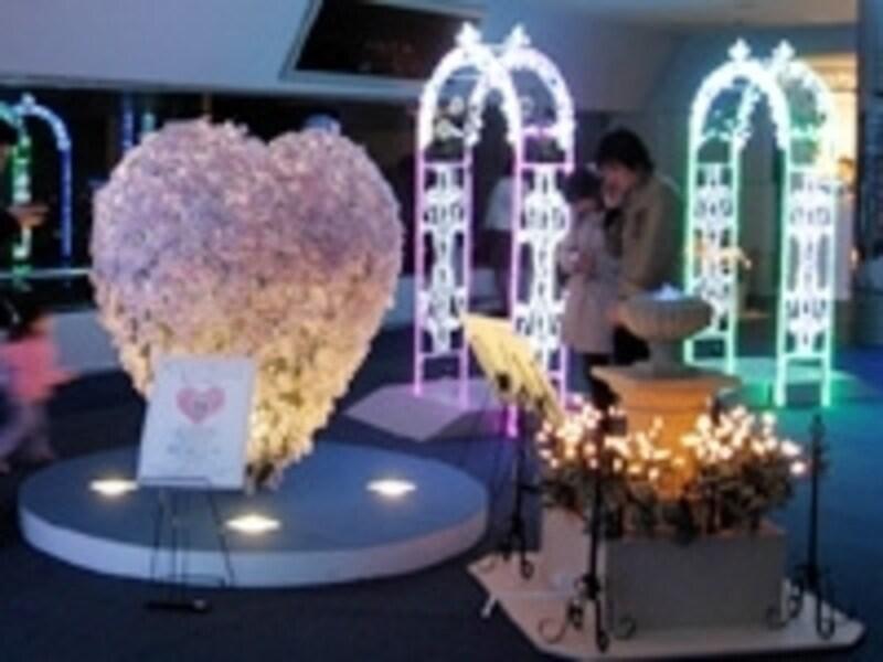日本一空に近い展望台「スカイガーデン」は、恋人たちの聖地にも指定されています