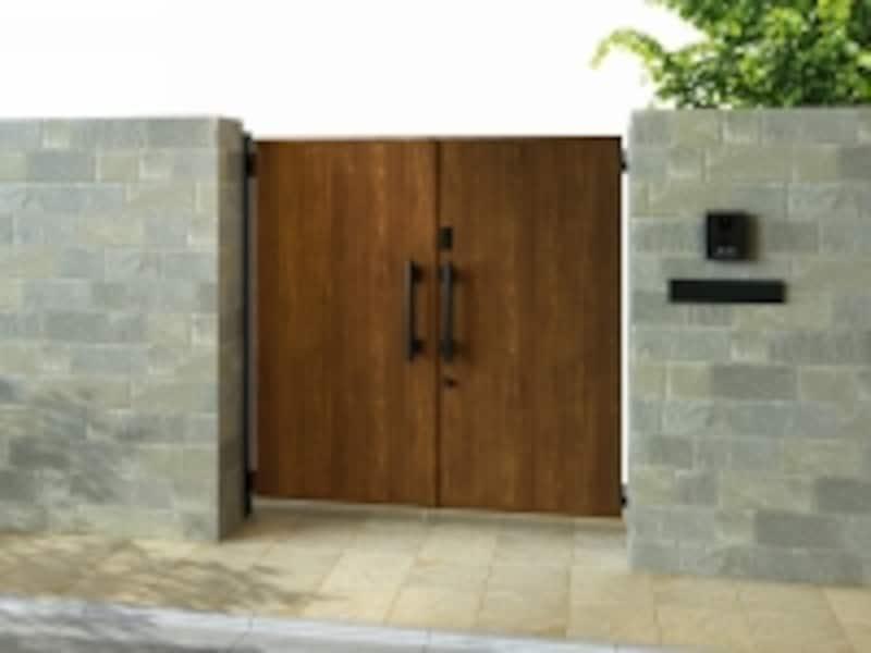 カードやシールで施解錠できる玄関ドア「スマートドア」と同じキーシステムを備えた門扉。木目調やシンプルモダンなど多彩なスタイルが揃う。undefined[電気錠付エクスティアラ門扉undefined05型〔パネル〕両開き]YKKAPundefinedhttp://www.ykkap.co.jp/