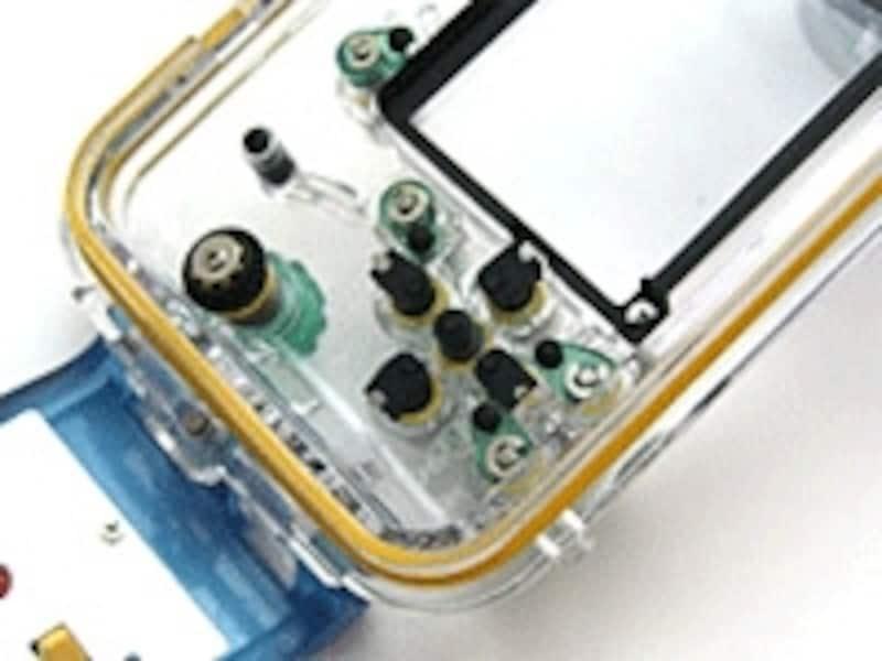 ウォータープルーフケースは水深数十mでの撮影も可能としてくれる。