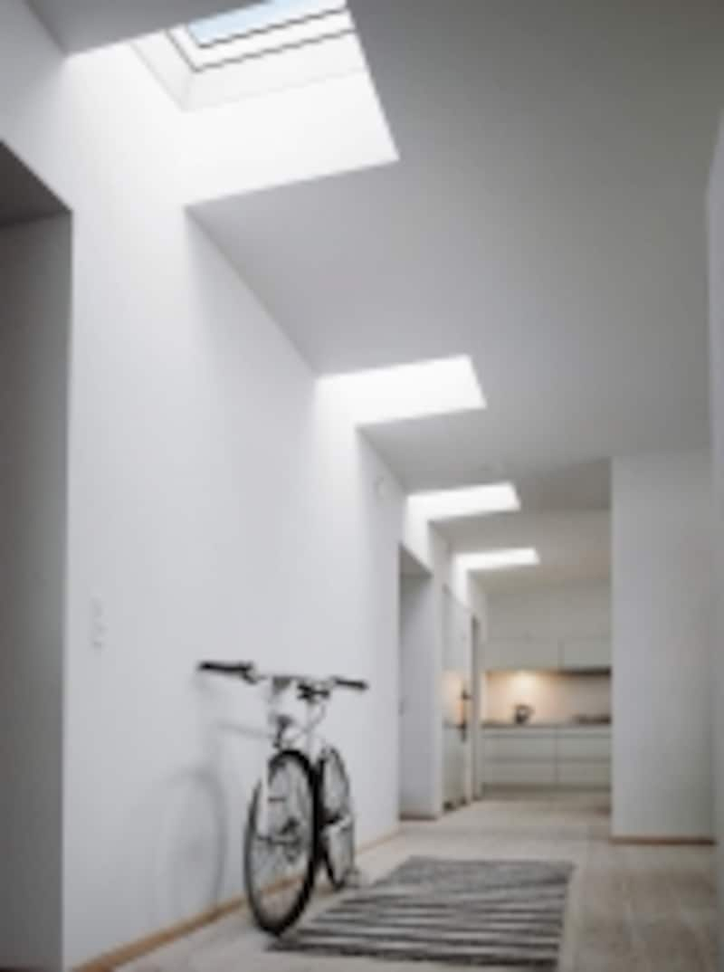 undefinedプライバシーを確保しつつ、明るい空間を実現できる。[天窓シリーズ]undefinedYKKAPhttp://www.ykkap.co.jp/