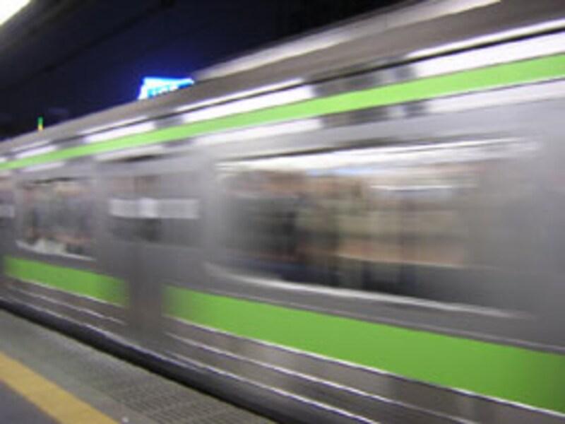 痴漢のいない快適な電車は可能か?