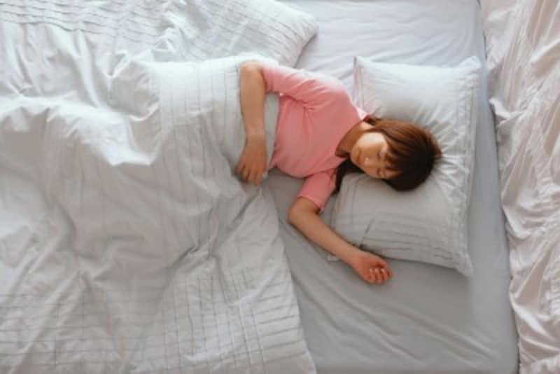 「痒い…」「昨夜、よく眠れなかった…」そんな経験、ありませんか?ホコリのたまりやすい寝具周りには、「コナヒョウヒダニ」が繁殖しやすいのです。