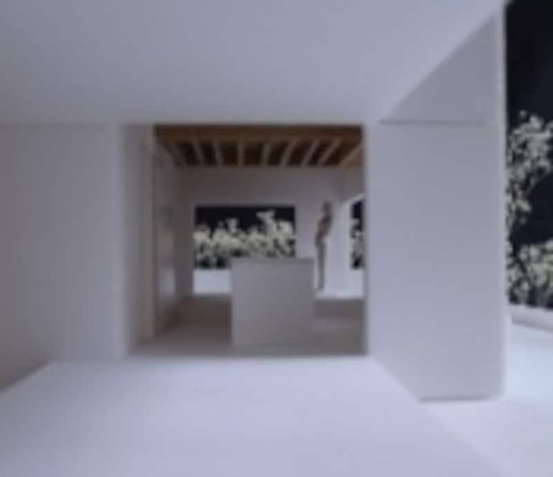 建物の周囲には、「東の庭」「南の庭」「西の庭」「北の庭」という名の4つの外部空間