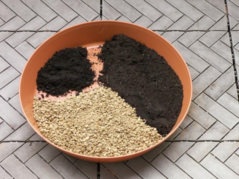プランター用の土(培養土)の作り方手順1
