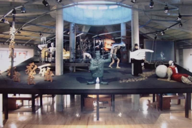 寺山修司記念館undefined常設展示室の舞台上(1)