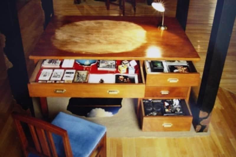 常設展示室の舞台下の展示机