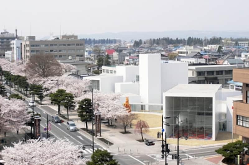 十和田市現代美術館外観