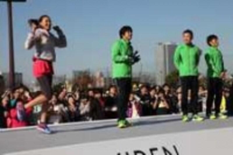 モデルのSHIHOさん(左)も「TeamundefinedSHIHO」で参戦