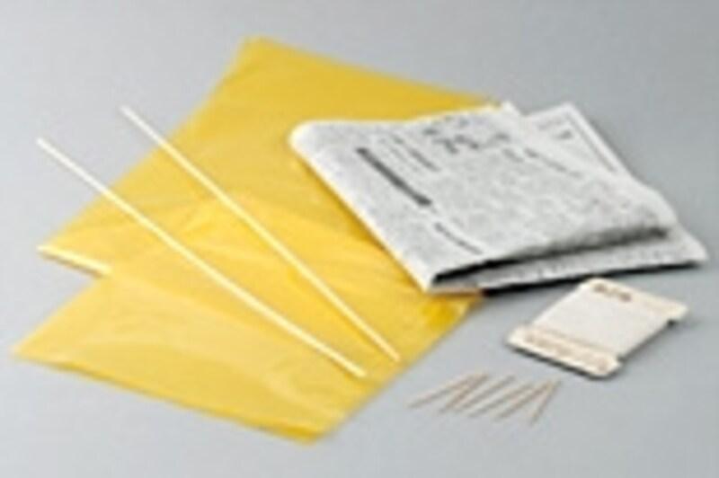 ・undefinedポリ袋(サンプルの場合、45Lくらいのもので十分)・undefined新聞紙(型紙として)・undefined竹ひご(サンプルの場合、45cm×2本)・undefinedつまようじ(2本)・undefinedたこ糸(サンプルの場合、30mのものを一巻)