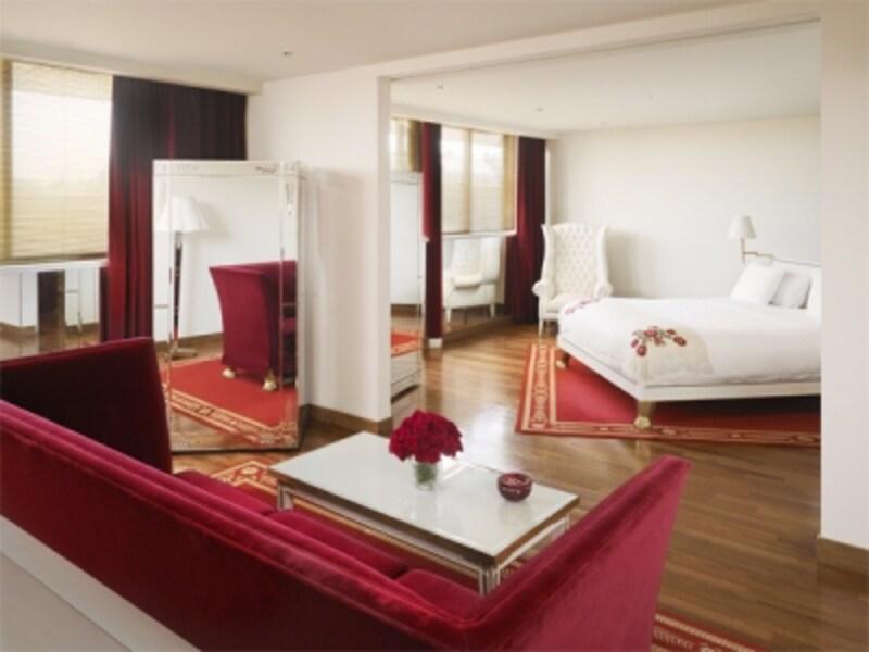 フィリップ・スタルクのデザインに囲まれる幸せな部屋undefined写真提供:FaenaHotel+Universe