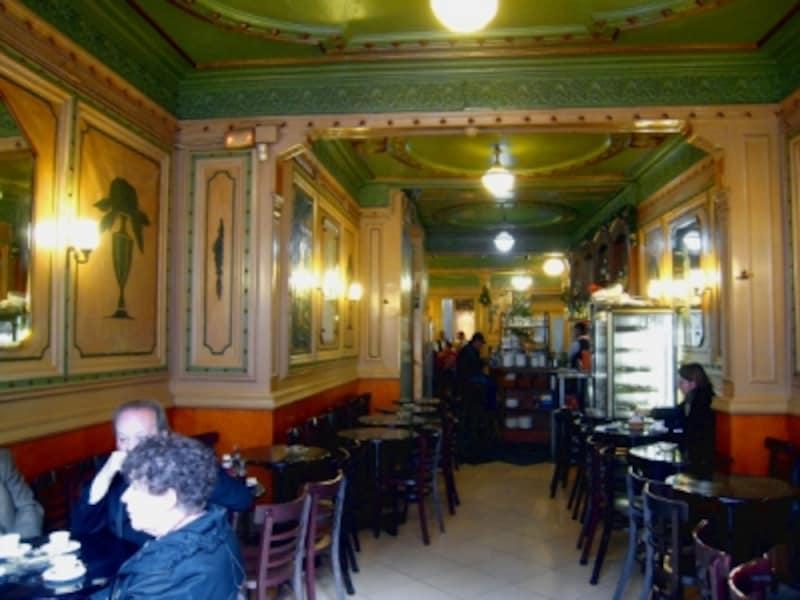 カフェ・デ・ロペラundefined店内