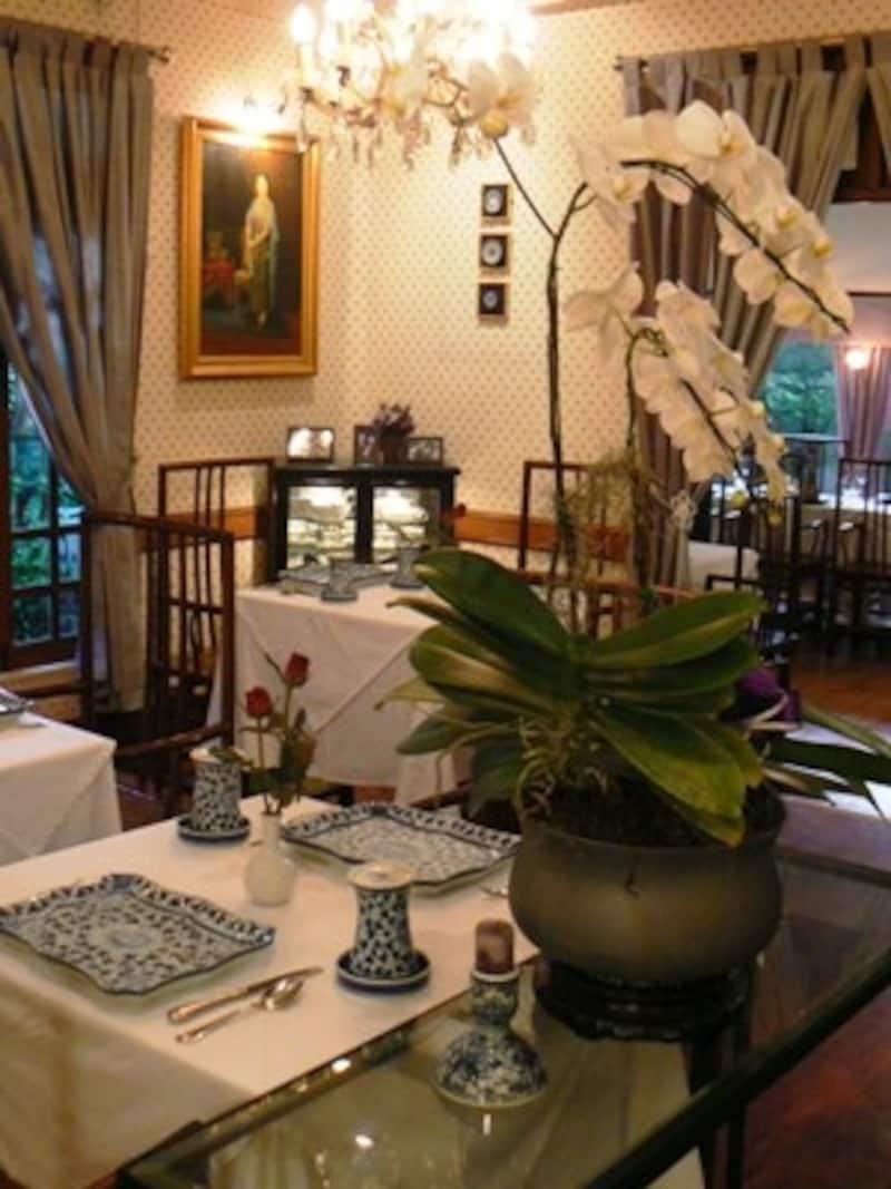 タイの王宮料理を出しているレストランらしく格式のある雰囲気だがリーズナブルな値段がうれしい