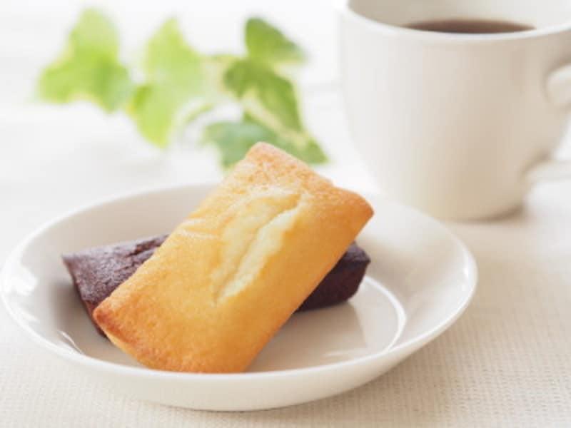 賞味期限が長めの焼き菓子なら、安心して渡せます