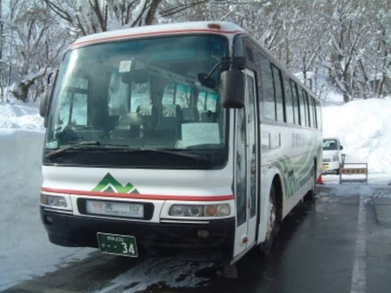 高山駅と白川郷を結ぶ濃飛バス
